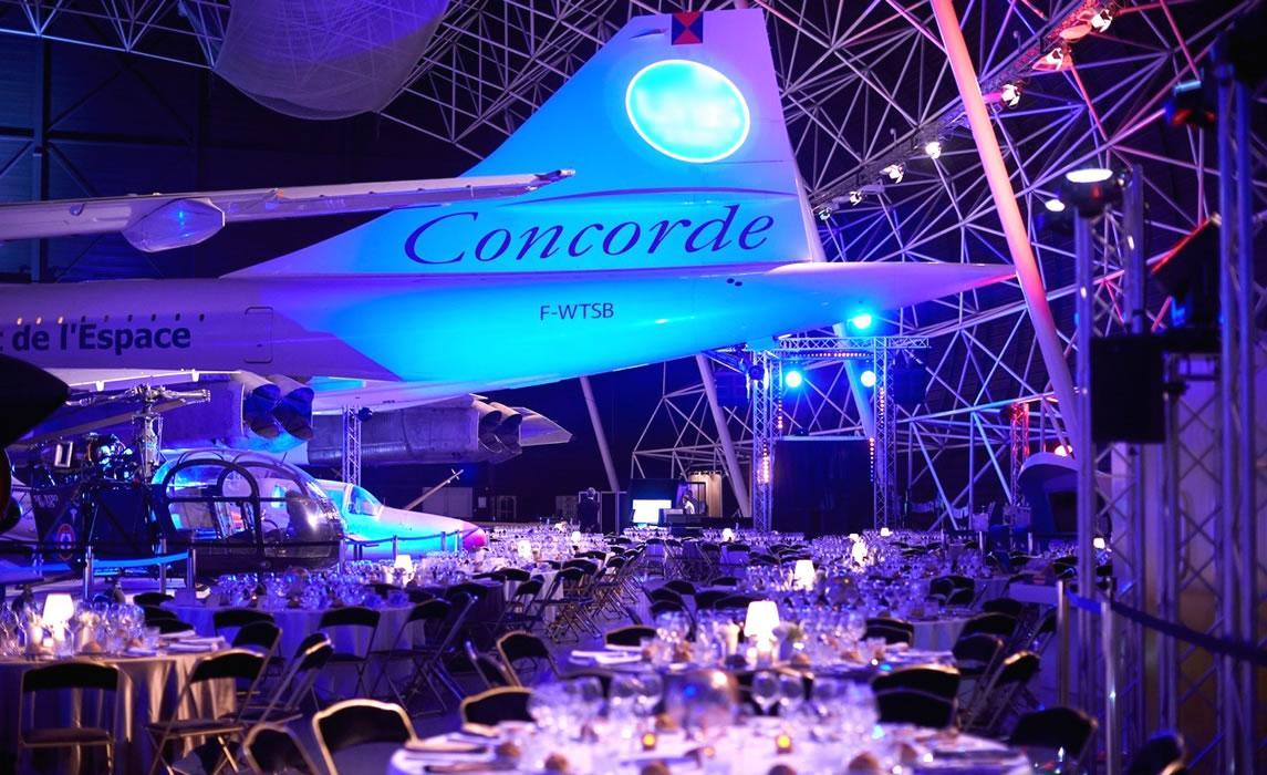 Diner sous les ailes du Concorde