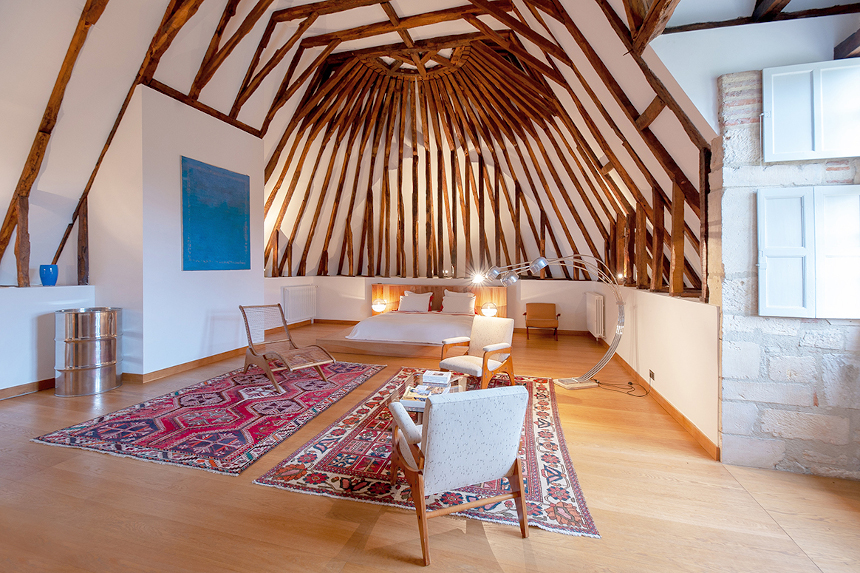 Meetings - Château St Martory - Grande Chambre